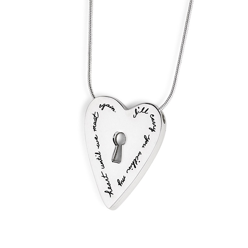 Pendant with engraved quote I'll carry you within my heart until we meet again. | BB Becker | Inspirational Jewelry